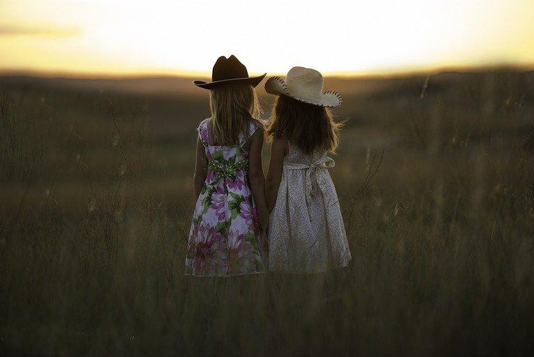 avere due tween twins: gemelle preadolescenti