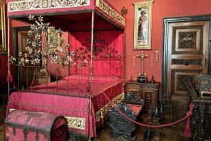 camera rossa museo bagatti valsecchi