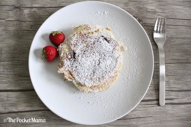 pancake alla nutella con zucchero a velo