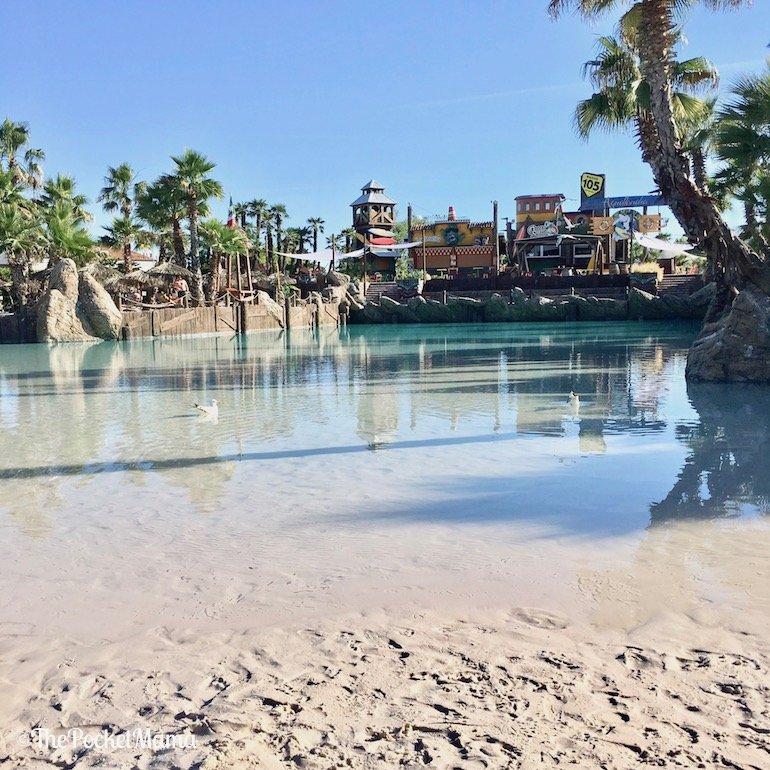 piscina shark bay aqualandia