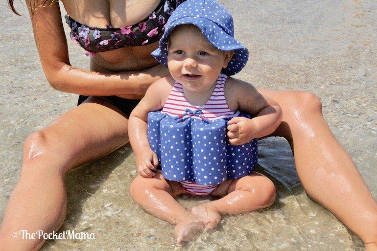 indispensabili per la spiaggia - costume con salvagente