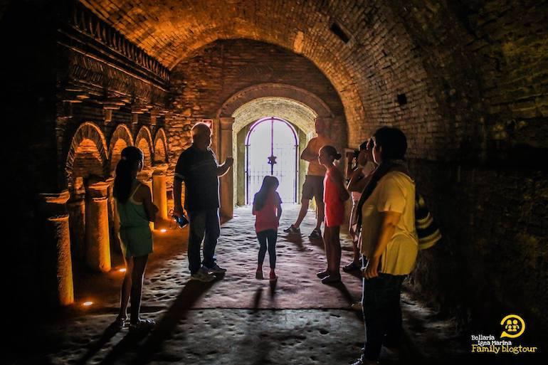 interno delle grotte tufacee