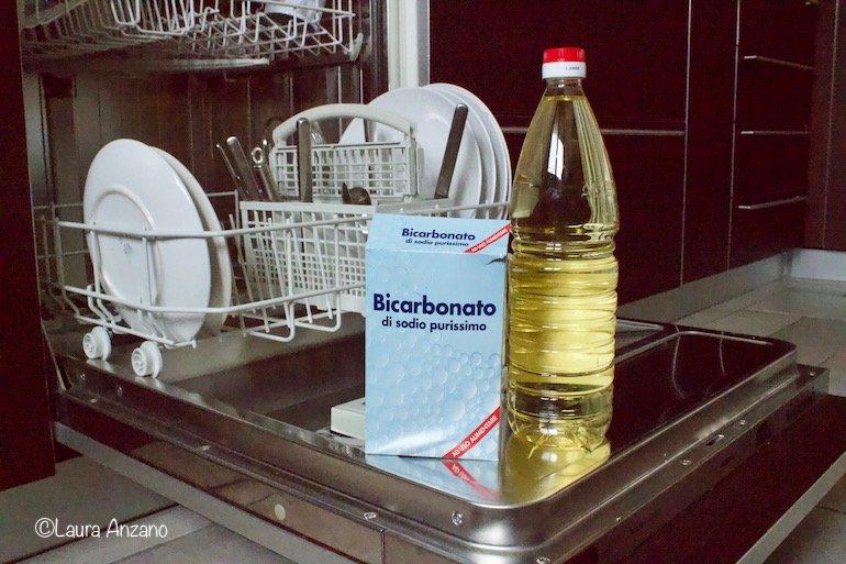 i migliori alleati per pulire la lavastoviglie