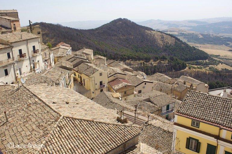 vista dalla piazza di Sant'Agata di Puglia