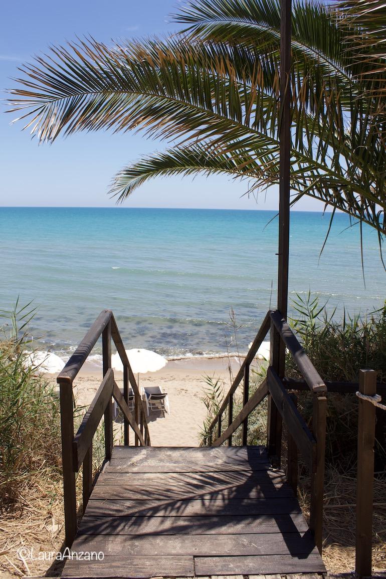 accesso spiaggia falconara beach resort &spa